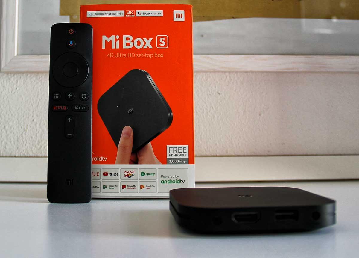 Confezione Mi Box S Android TV box
